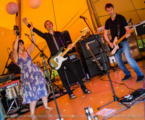 Tipi-Britpop-Wedding-Band-12